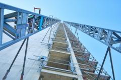 Mit dem Aufzug hinauf auf 107 Meter Höhe